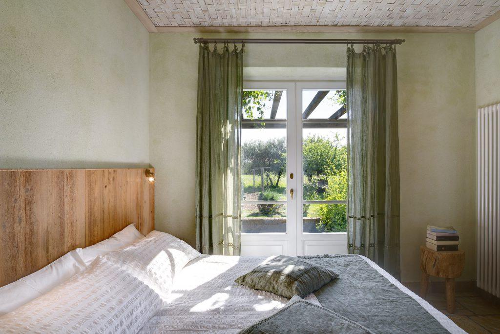 Camera salvia hotel pietrasanta versilia olimagio - Televisione in camera da letto si o no ...